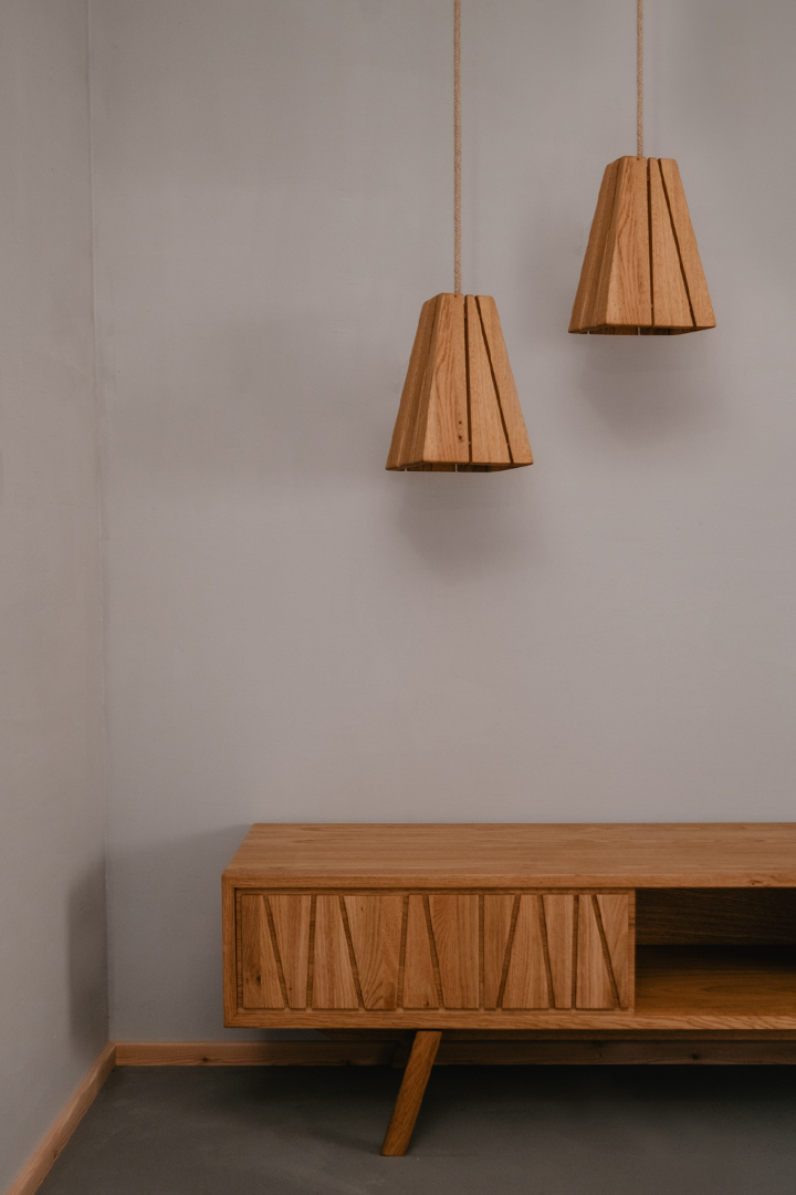 Tischlerei HolzWerk - feine moebel - Sideboard und Lambert Lampen