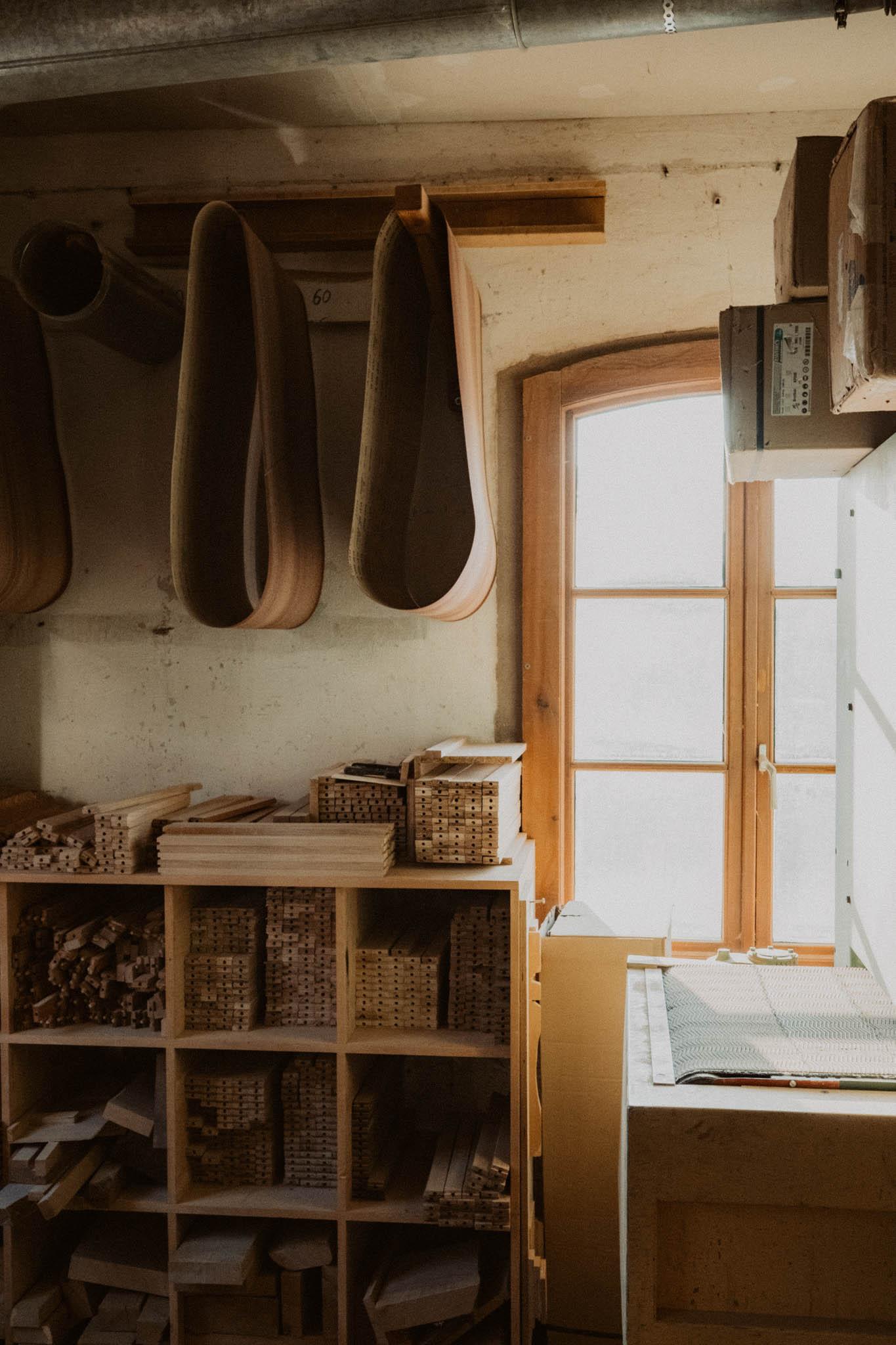Tischlerei HolzWerk - feine moebel - Werkstatt Innenansicht Fenster